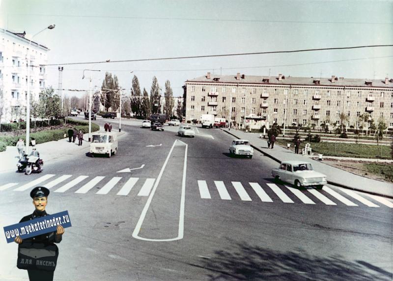 Краснодар. Улица Офицерская от ул. Шоссе Нефтяников до ул. Красной. Апрель 1971 года