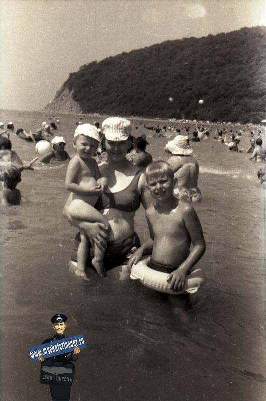 Джубга. На пляже, 1975 год